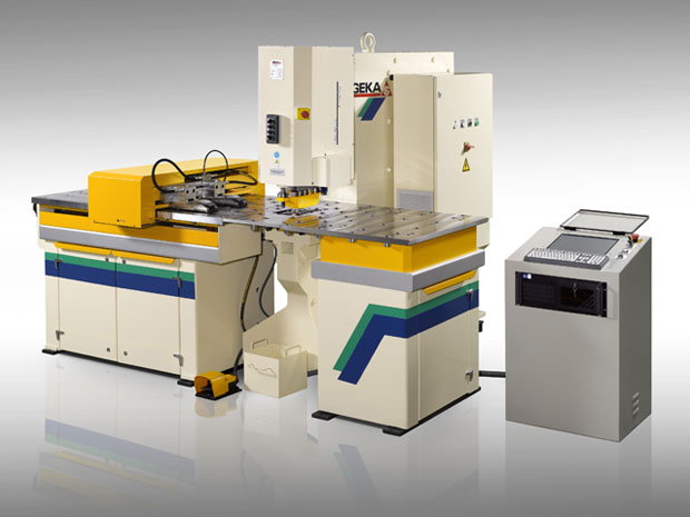 3 CNC punches capable of punching plate up to 25mm thick.